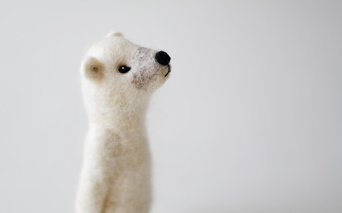 かわいすぎない、かわいらしさがある。ほっこりキュートなシロクマ