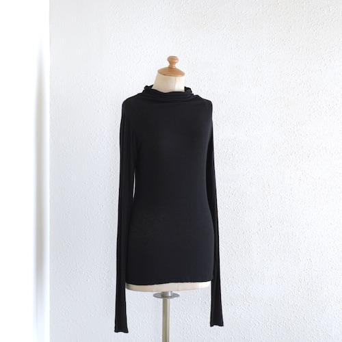 イタリアのファッションブランドNEIRAMIネイラミのヴィスコースウールライトニット Black