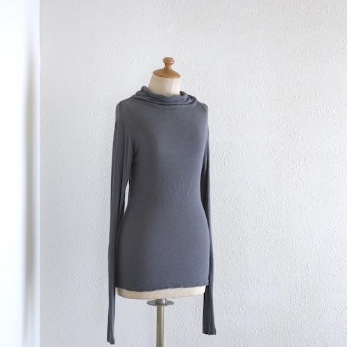 イタリアのファッションブランドNEIRAMIネイラミのヴィスコースウールライトニット GY